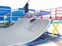 スケートボード情報 基礎知識&基礎動作 スケートパーク ランプ(ランページ)の入門編 オーリ動作も